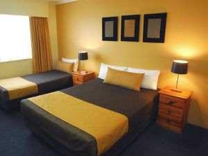 Mt Ommaney Hotel Apartments - Accommodation NSW