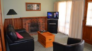 Mountain View Motor Inn and Holiday Lodges - Accommodation NSW