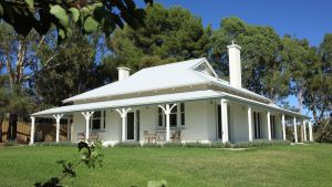 Orchard House - Accommodation NSW