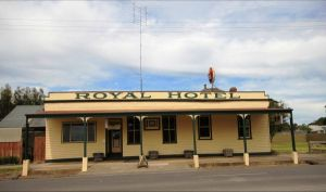Royal Hotel Snake Valley - Accommodation NSW