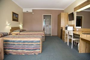 Cumberland Motor Inn - Accommodation NSW