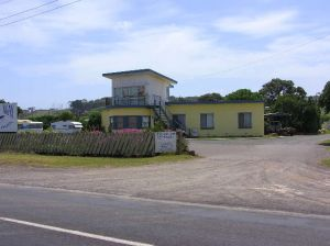Dutton Way Caravan Park - Accommodation NSW