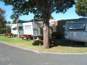 Lakes Haven Caravan Park - Accommodation NSW