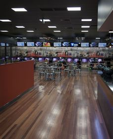 Club300 Bowling and Bar