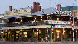Coopers Alehouse at the Earl - Accommodation NSW