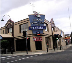 Grand Junction Hotel - Accommodation NSW