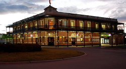 The Grand Terminus Hotel - Accommodation NSW