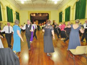 Old Style/New Vogue Dance Wallaroo - Accommodation NSW