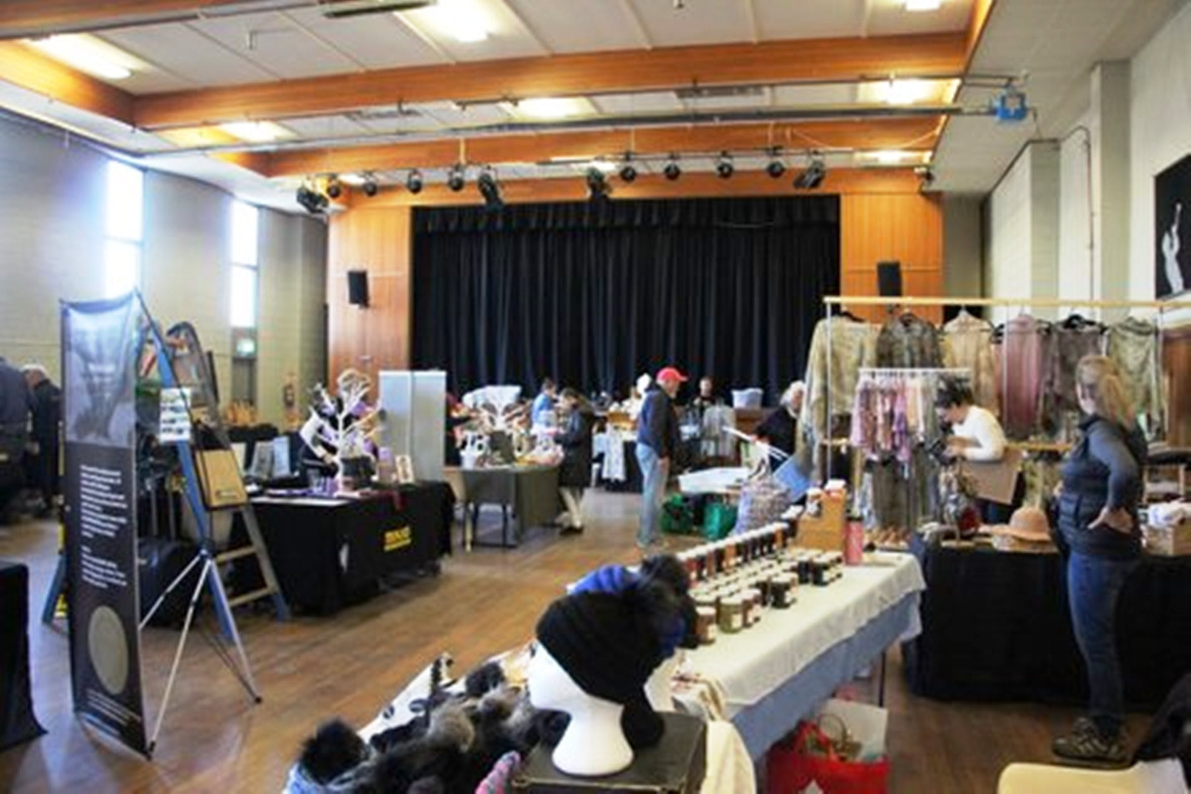 Jindabyne Hall Markets - Accommodation NSW