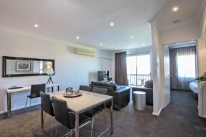 Adelaide DressCircle Apartments - Archer Street - Accommodation NSW