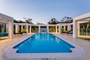 One Mile Mansion - Private Coastal Retreat FREE FAMILY ADVENTURE PASS - Accommodation NSW
