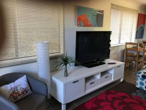 Central Gold Coast 3 Double Bedroom Apartment - Accommodation NSW