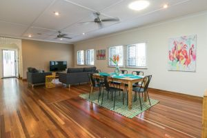 Charming Home By The Sea - Accommodation NSW