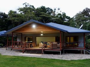 Coconut Beach House - Accommodation NSW