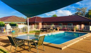 Comfort Inn Bushman's - Accommodation NSW