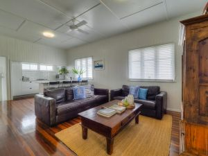 Fisherman's Cottage Hervey Bay - Accommodation NSW