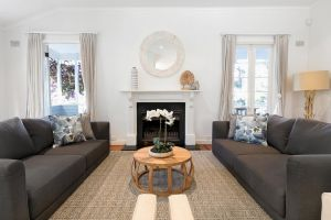 Hamptons Style Family Home 5 Minutes From Beach - Accommodation NSW
