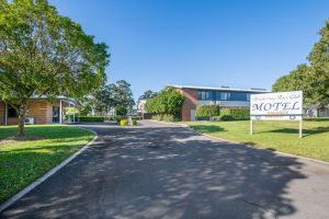 Hawkesbury Race Club Motel - Accommodation NSW