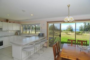 Jervis Bay Beachfront - Accommodation NSW