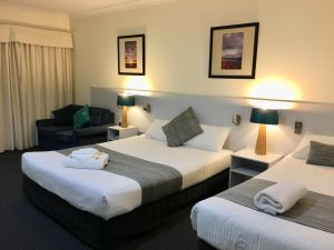 Lakeview Motor Inn - Accommodation NSW