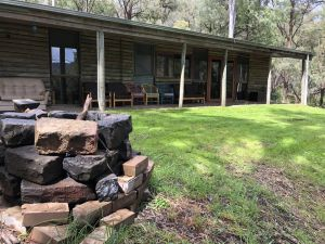 Mountain Village Cabin - Accommodation NSW