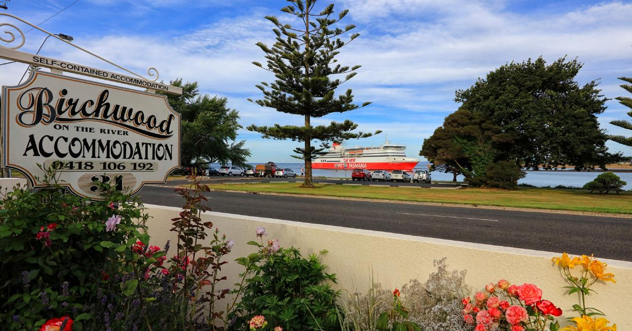 Birchwood Devonport self-contained self catering accommodation - Accommodation NSW