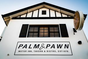 Palm and Pawn Motor Inn - Accommodation NSW