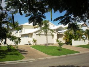 Poinciana Terraces - Accommodation NSW