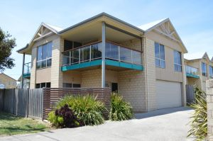 Ocean View Beach house - Accommodation NSW