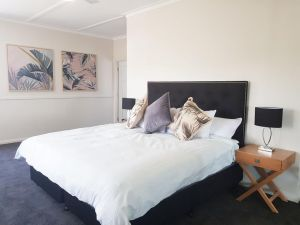 Theme Park Villas - 3 Min Drive to Movie World - Accommodation NSW