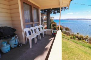 Tommy's Lakehouse - Accommodation NSW