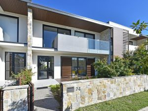 Villa Capri Waterside at Trinity Point - Accommodation NSW