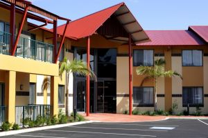 Warners at the Bay - Accommodation NSW