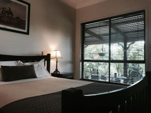 The Bearded Dragon Boutique Hotel - Accommodation NSW