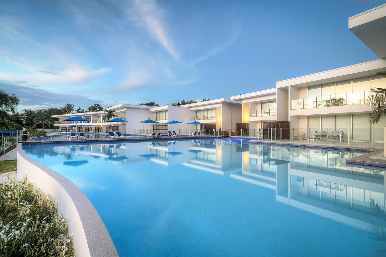 Pool Resort Port Douglas - Accommodation NSW