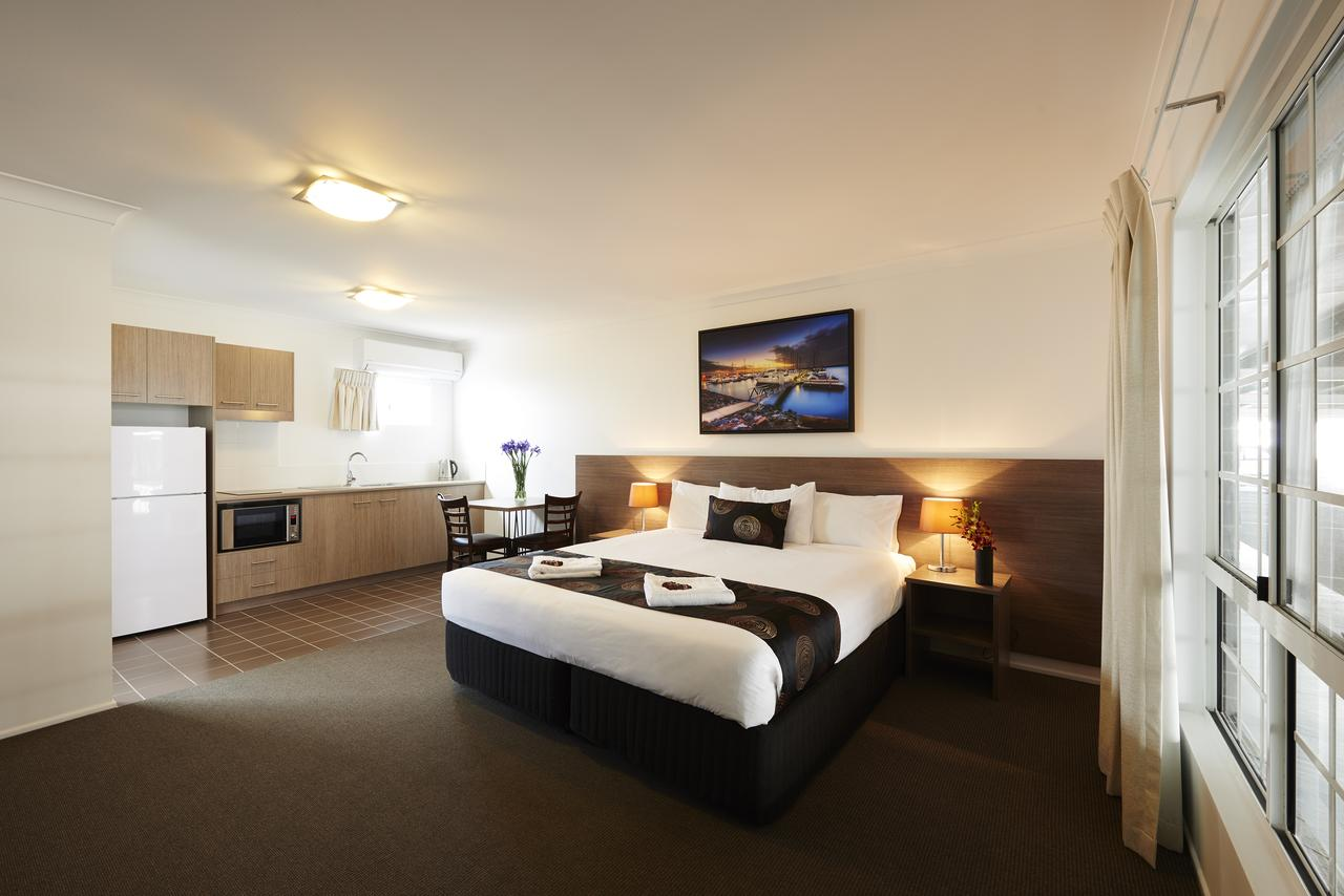 Takalvan Motel - Accommodation NSW