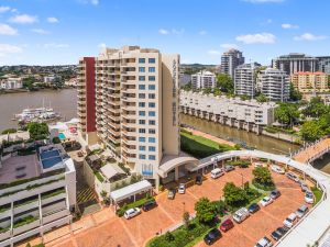 Central Dockside Apartment Hotel - Accommodation NSW