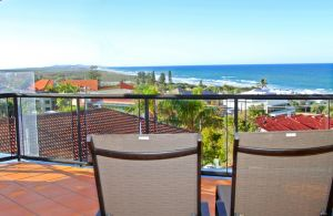 Unit 8 Bronte of Coolum 8 - 12 Coolum Terrace Coolum Beach 500 Bond LINEN INCLUDED WIFI - Accommodation NSW