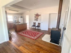 'The Wattles' - True Country Escape Near Wineries - Borenore - Accommodation NSW