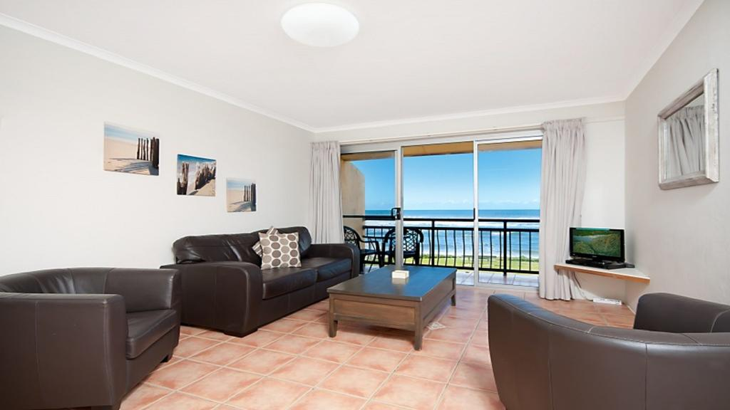 10T Beachfront Apartments - Accommodation NSW