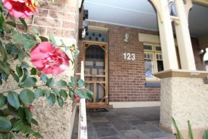 123 Hill St Heart of Orange Double Brick - Accommodation NSW