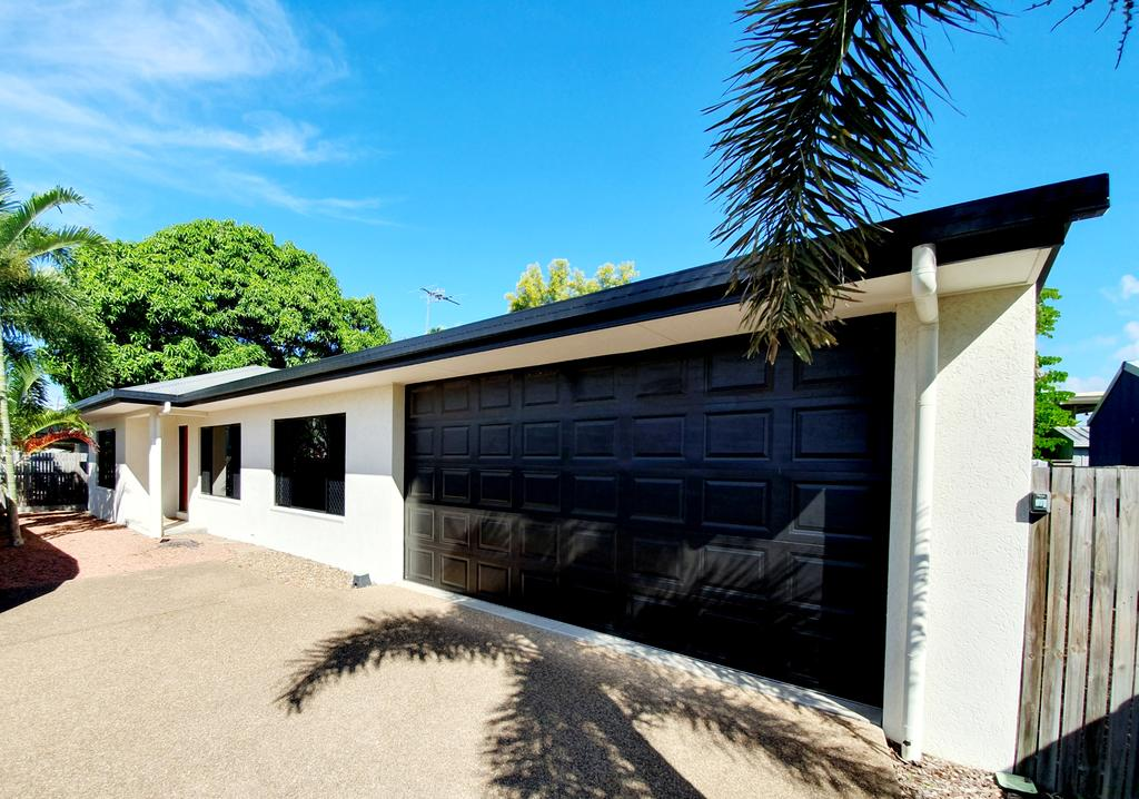 3 bedroom central home - Accommodation NSW