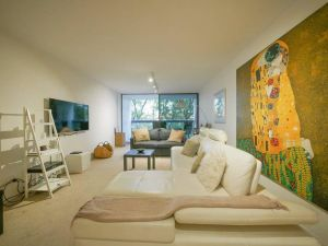 5 Star in Prime Double Bay Location with Balcony - Accommodation NSW