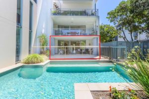A Deluxe Swim Up - Drift Apartments South - Accommodation NSW
