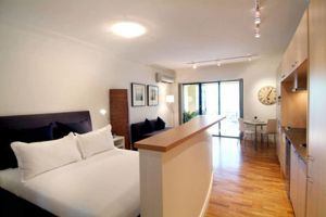Accommodation Sydney Potts Point studio apartment with balcony - Accommodation NSW