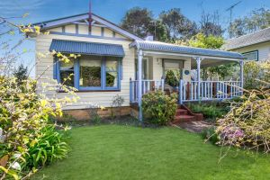 Ambrose Cottage Front Apartment - Accommodation NSW
