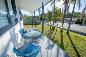 Beach House on James Patterson - Accommodation NSW
