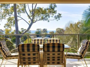Bellima Beach House' 9 Jackson Close - huge duplex with air con and fabulous views - Accommodation NSW