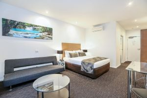 Belmercer Motel - Accommodation NSW