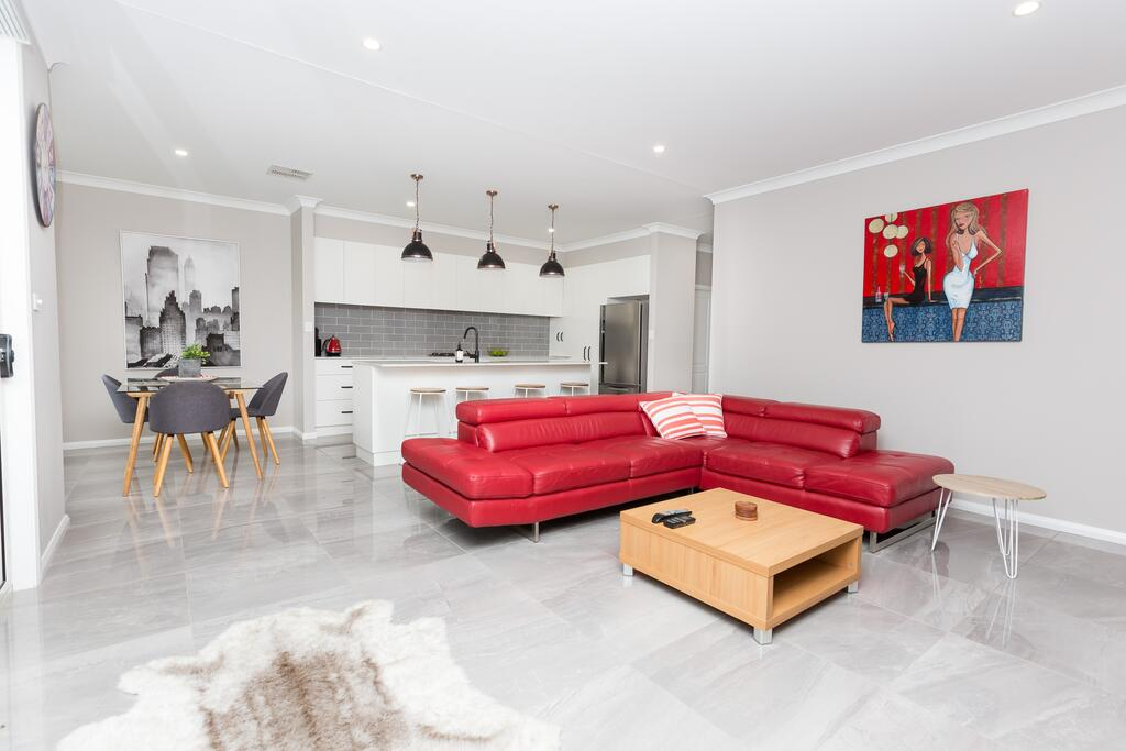 Best Central Wagga Townhouse - Accommodation NSW